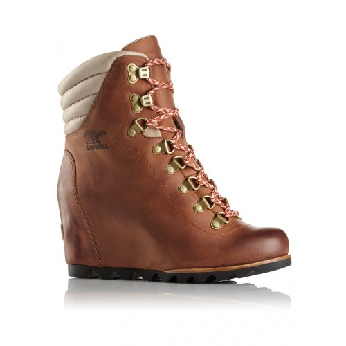 sorel conquest wedge boot.