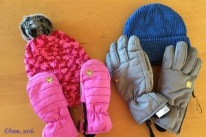 Good Products Doing Good: Kids' Beanies, Gloves and Mittens from kushi-riki (Giveaway)