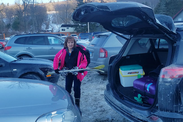 parking-cars-nose-to-tail-in-ski-area-parking-lots