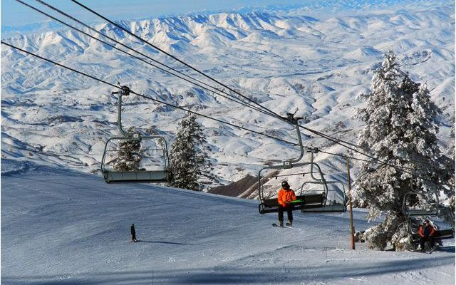Not the Mama: Boise, Idaho – The Blue, The White, The Skiing