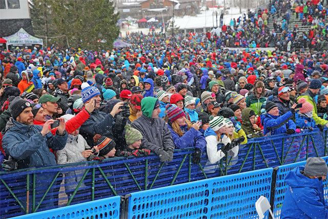 A shot of the crowd at the killington world cup ski races