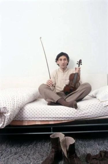 Mondadori Portfolio via Mondadori via Getty Images Franco Battiato nel 1981