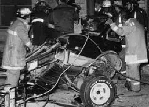 la Volvo 343 di Rino Gaetano dopo l'incidente