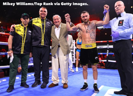 Vasiliy_Lomachenko_team_victory