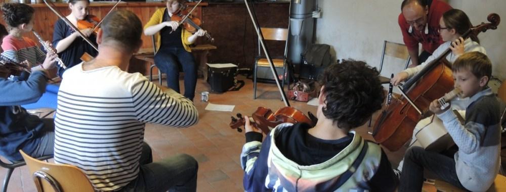 Une journée départementale d'initiation aux musiques traditionnelles