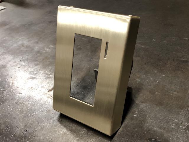 真鍮 インターホンカバー製作