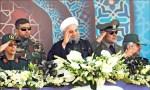 不甩老美 伊朗展示最新彈道飛彈