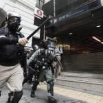 港人抗議國歌法 防暴警射橡膠彈 近百人被扣