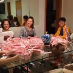 臺裔女青年黃心怡參與巴西童子軍團自製口罩捐贈給慈善團體醫院愛心不分國界