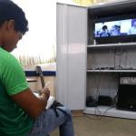 沒有網怎麼辦?巴西部分學校聯手電臺向學生授課