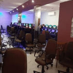 疫情期間!聖保羅一賭場發現27名年超60的老人進行賭博,且不遵守預防新冠的檢疫措施!