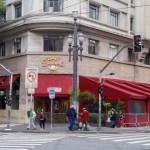 聖保羅市經104天社會隔離後,本週一(7月6日)重新開放餐飲業和理髮美容業,但電影院,戲劇院等文化場所及健身館預計7月27日才能復工