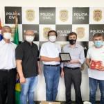 巴西慕義教會 歲末送暖醫護和警察