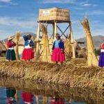 秘魯人為躲避侵略,在哢哢湖用草編織了一個島,日子過得有滋有味