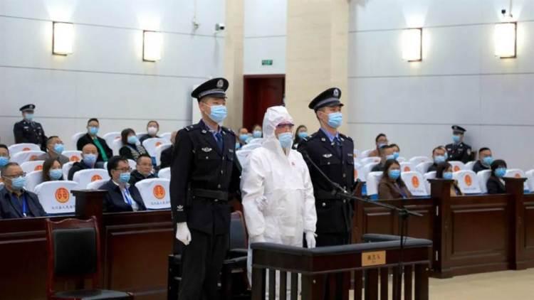 網紅拉姆直播遭前夫燒死案,一審判決被告唐路死刑。