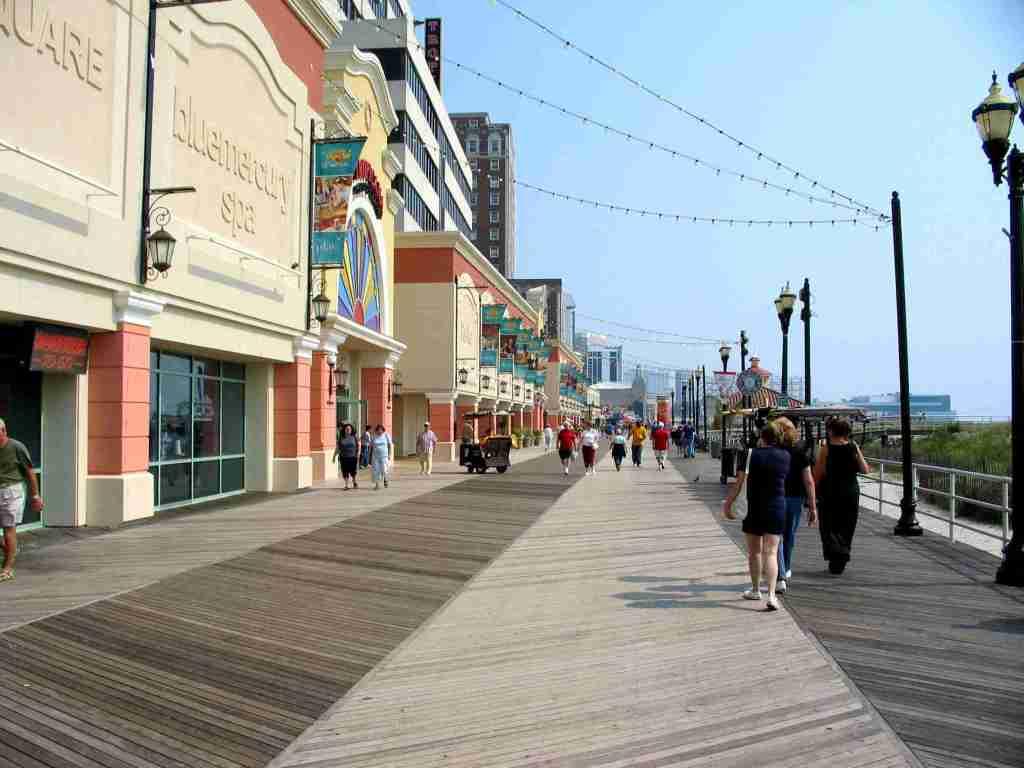 Ipe lumber at Atlantic-City-Boardwalk