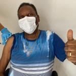 Pelé recebe primeira dose de vacina contra a Covid-19