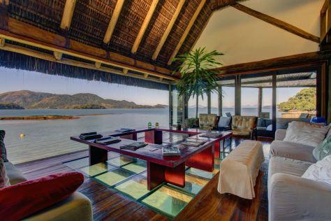Carrossel Aluguel de casas de luxo Angra Ilha Cavaco Villa 16 1 2 3