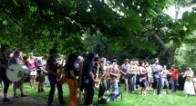 Unsere Session im Park. Ein paar Musiker fehlen noch ...