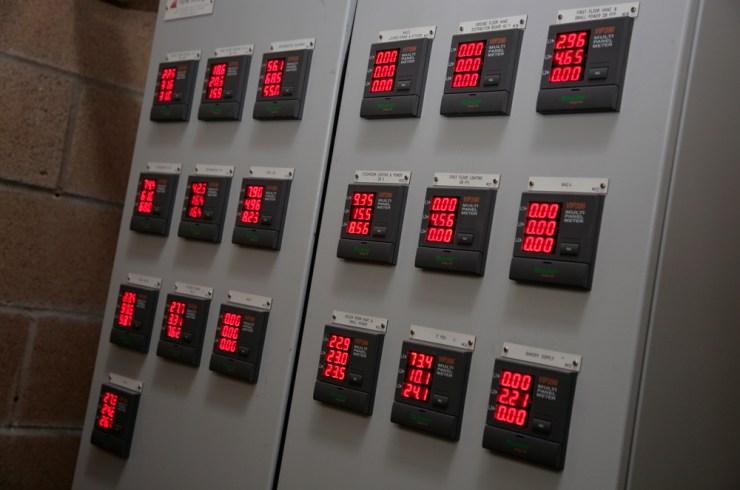 EnergyMonitors_0140_red