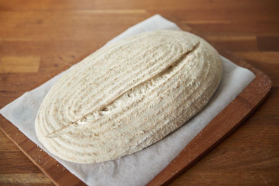 Pâinea crudă, înainte de a fi pusă la cuptor.
