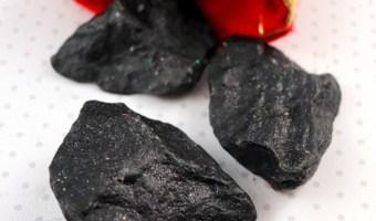 Fast & Easy DIY Christmas Bath Bombs: Coal, Cupcake and Candy Cane Bath Bombs