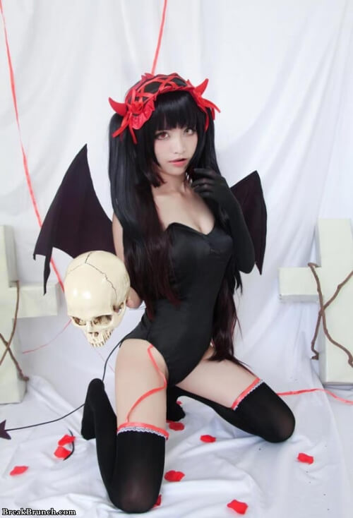 8 sexy picture of Kurumi Tokisaki cosplay from Date A Live  BreakBrunch