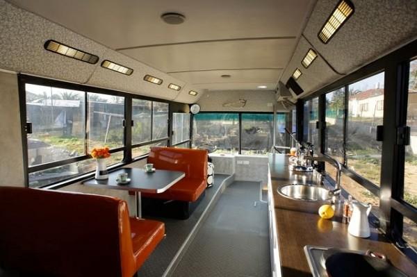 Transformer un vieux bus en campingcar de luxe  Breakforbuzz