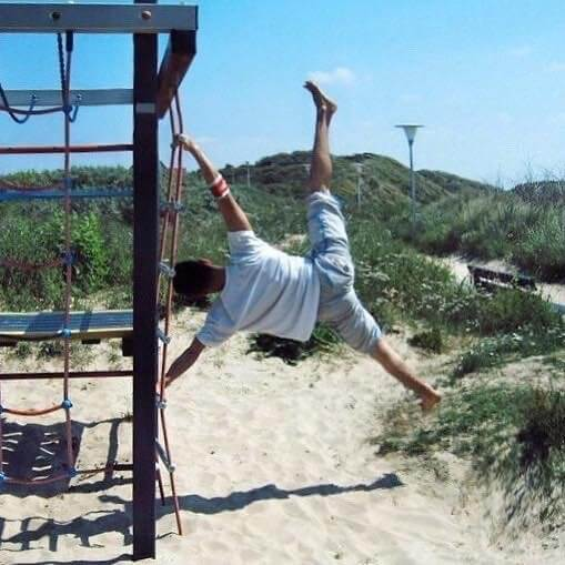 Breaking Arts Streetworkout beachworkout playground Humanflag calesthenics powermove bboy ruffbrawl sascha Stollenwerk Aachen Köln nrw Deutschland