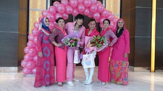 Pink Ribbon Cancer Survivor Fashion Show in Malaysia with Jun Top Model