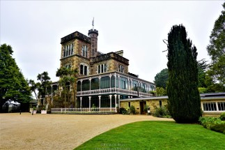This was not a huge palace kinda place but this is what New Zealand's only castle looks like :)
