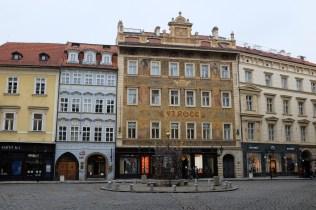 Les beaux immeubles du quartier Staré Město de Prague