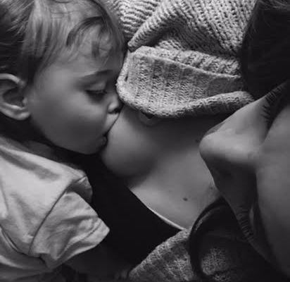 colicky, reflux, baby reflux, breastfeeding, breastfeeding world, babies and reflux