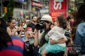 breastfeeding world big latch on, women breastfeeding in times square, times square, breastfeeding in times square, moms take over times square, breastfeeding world, big latch on nyc, nyc big latch on,bryant park