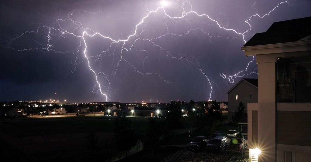 storm, thunder, rays