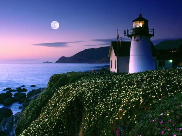 beautiful point montara lighthouse