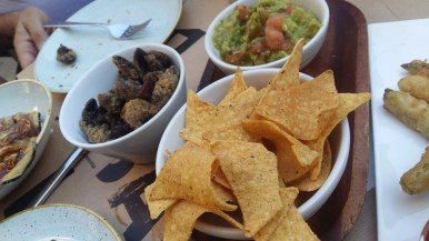 Fried mushrooms, guacamole and corn chips