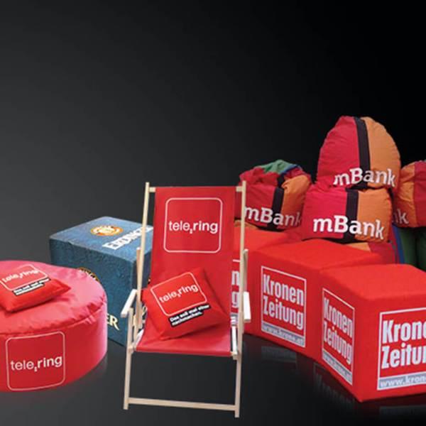 Reklamemøbler Referance