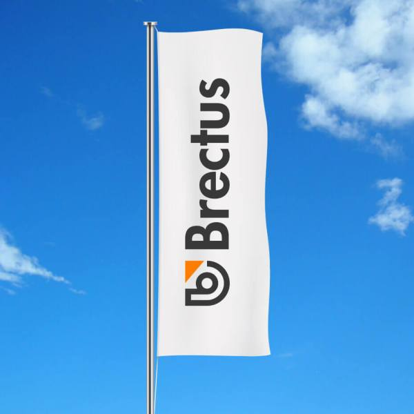 Brectus Flagg med logo stående 1