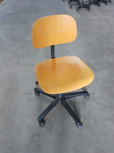 6 x werkstoel hout hoogte instelbaar verrijdbaar 65