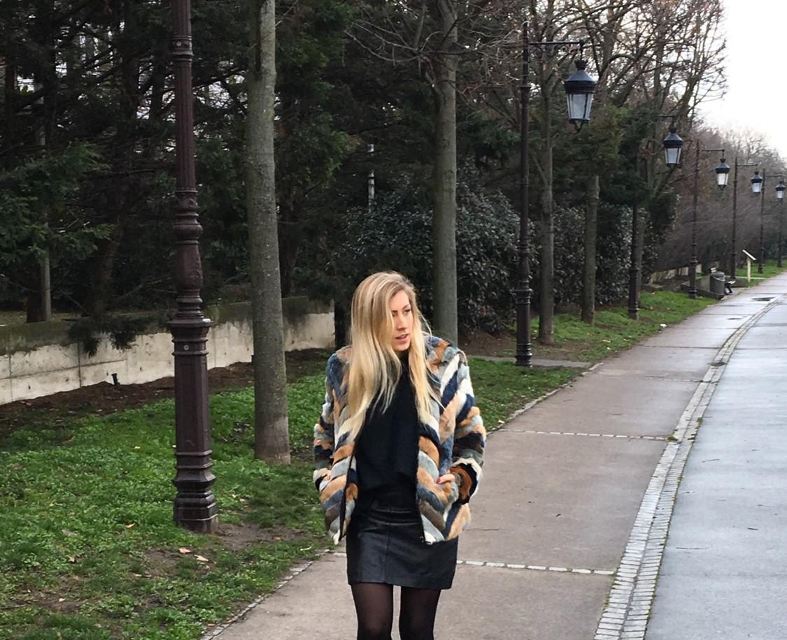 Mon beau manteau en fausse fourrure _ image 1