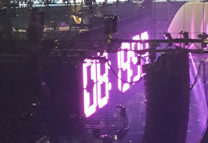Countdown timer on Lady Gaga's Joanne tour