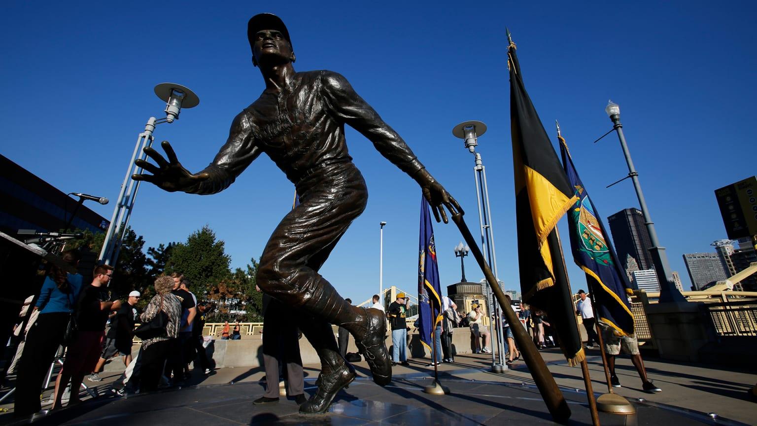 Roberto Clemente Statue PNC Park