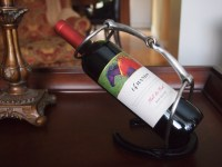 Horse Shoe Wine Bottle Holder   breezy did what now
