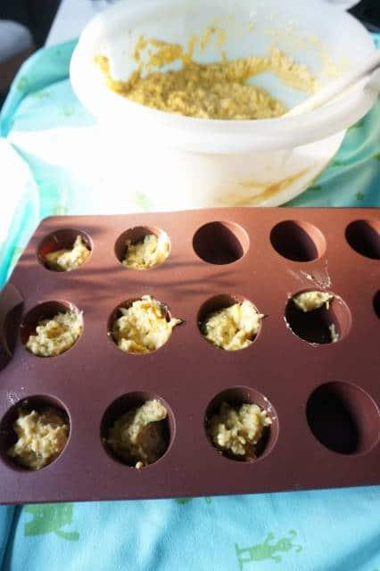 Minimuffins mit Zucchini und Kürbis von breifreibaby
