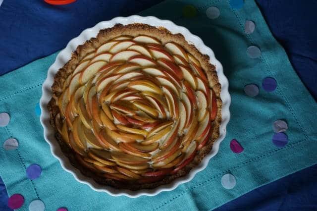 Deko Baby-Geburtstagsparty mit toller Apfeltorte von breifreibaby