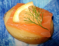 Canapés de pomme de terre au saumon