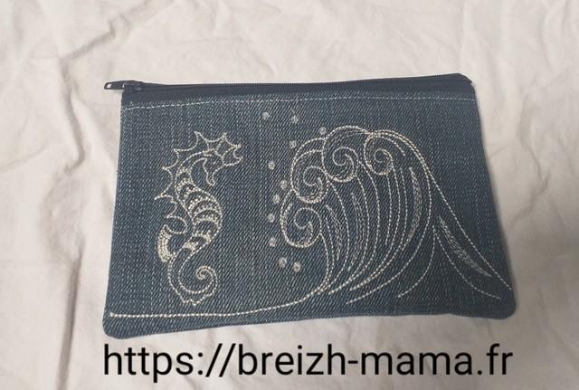 Trousse jeans recyclé brodé vague et hippocampe - recto
