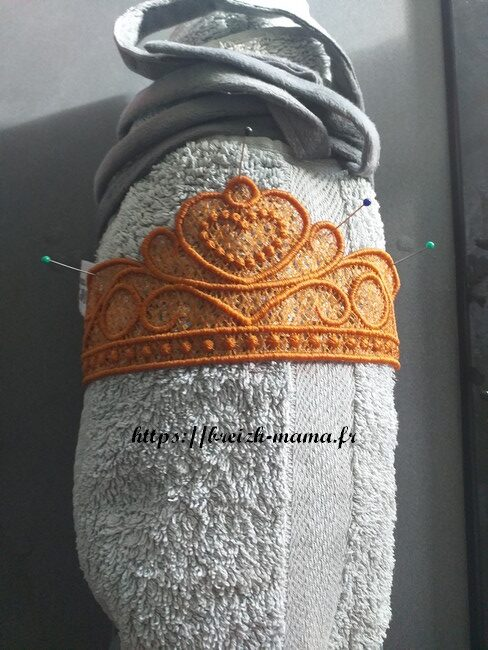 Mise en forme couronnes des rois dentelle FSL