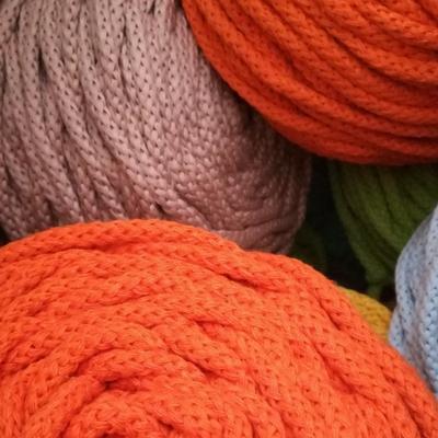 ovillos de algodón trenzado